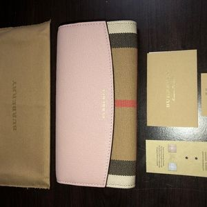 Burberry Leather Continental Porter Wallet